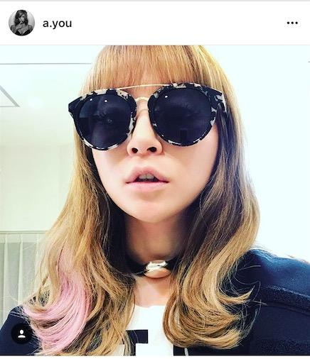 浜崎あゆみ、金髪×ピンクの髪型イメチェン報告写真公開に「かわいすぎてびっくり」「お揃いしようかな」サムネイル画像