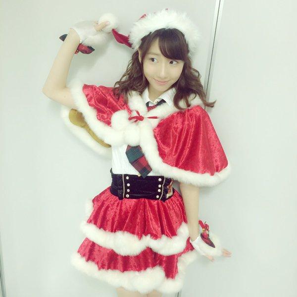 AKB48・柏木由紀、ミニスカサンタ姿を披露。クリスマスの予定は指原と「モンハン」