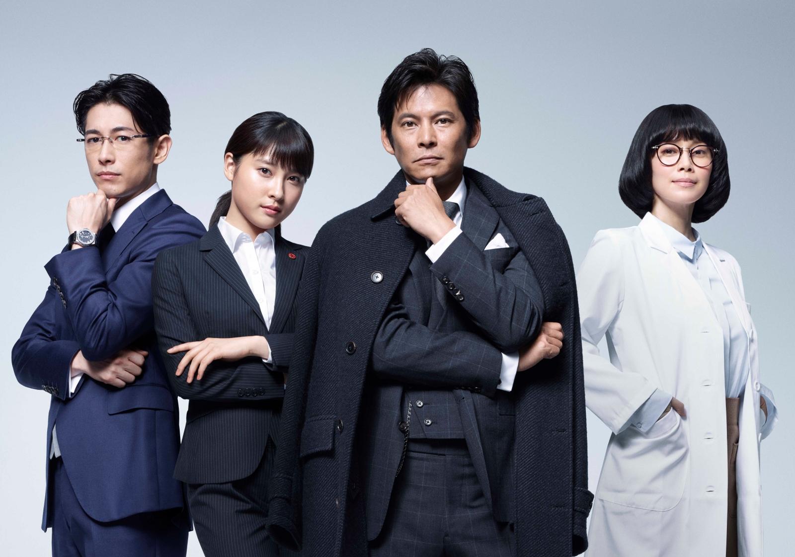 「IQ246」織田裕二×石黒賢共演で「振り返れば~」ネタに視聴者喜び。ディーン・フジオカ、メガネ執事役には「やばい」「アクションシーンかっこよすぎ」の声続出サムネイル画像