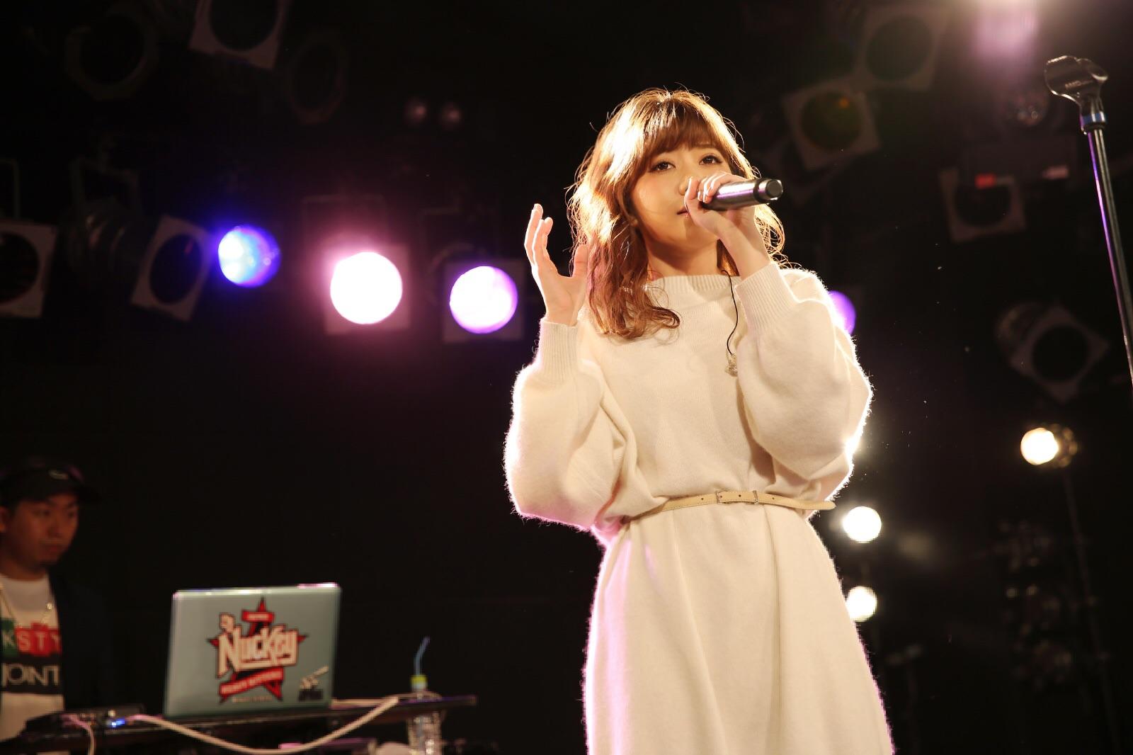 MACO、新曲「Kiss」をファンクラブイベントで初披露!サムネイル画像