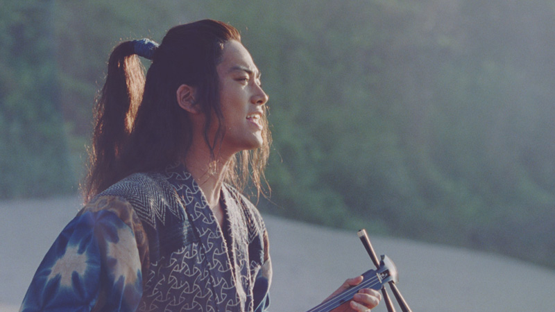 桐谷健太、話題曲歌唱後のCMでも再度同じ曲が流れる珍事サムネイル画像