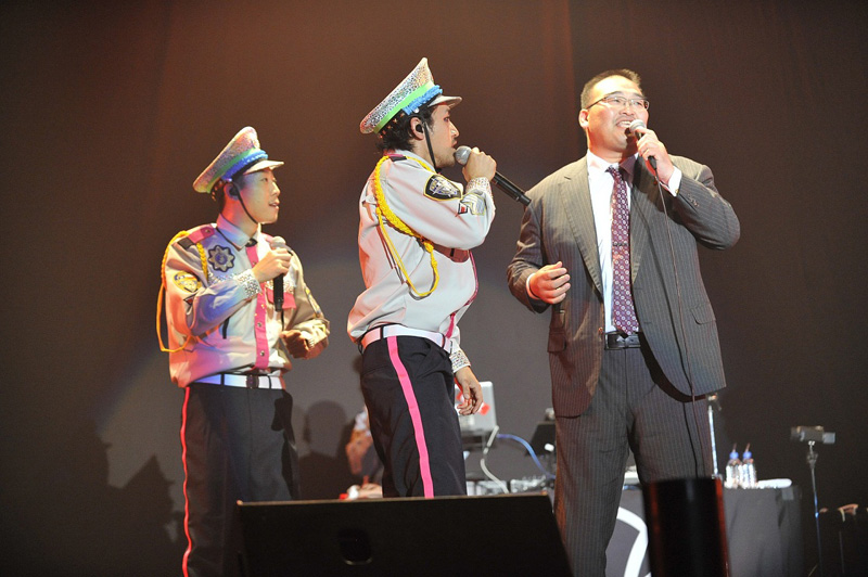 C&K、マリンメッセ福岡公演に振分親方(元高見盛関)がサプライズ出演!東京・両国国技館で1万人ライブも決定
