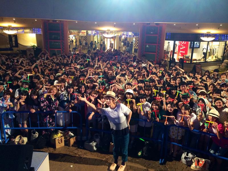 佐香 智久リリース記念イベント舞浜イクスピアリに1,000人集結サムネイル画像