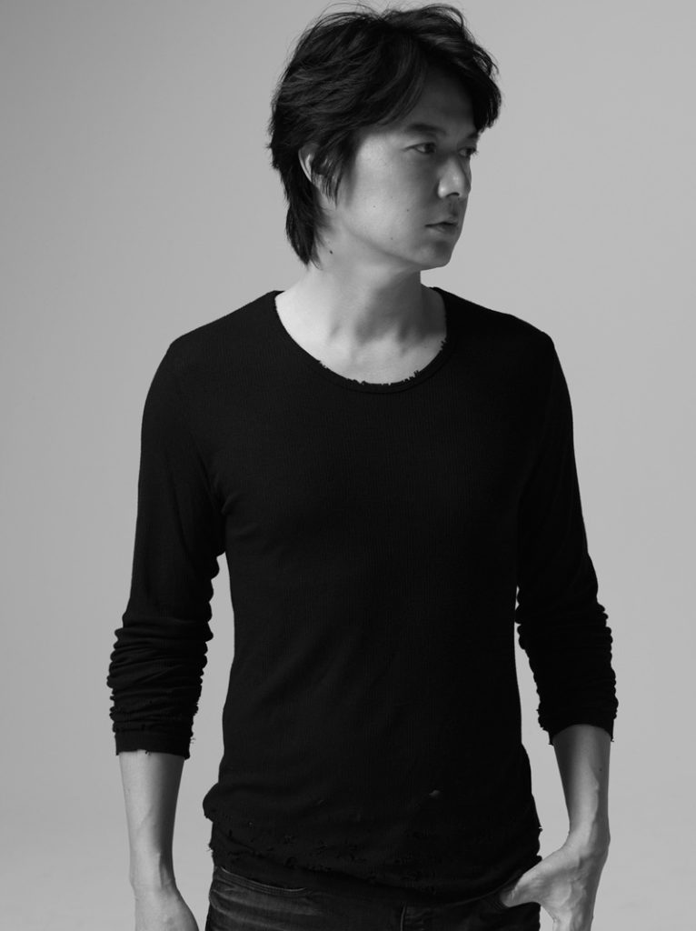 福山雅治 台湾ドラマ主題歌は、アルバム「HUMAN」収録曲「暁」の中国語バージョンサムネイル画像
