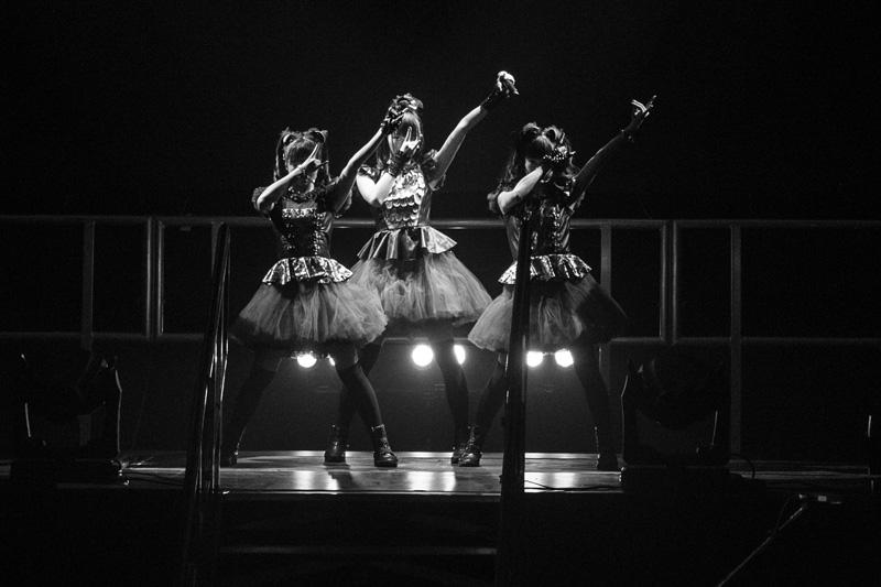 BABYMETAL、SOLD OUTのロンドン公演で新曲を初披露し5,000人が大合唱サムネイル画像