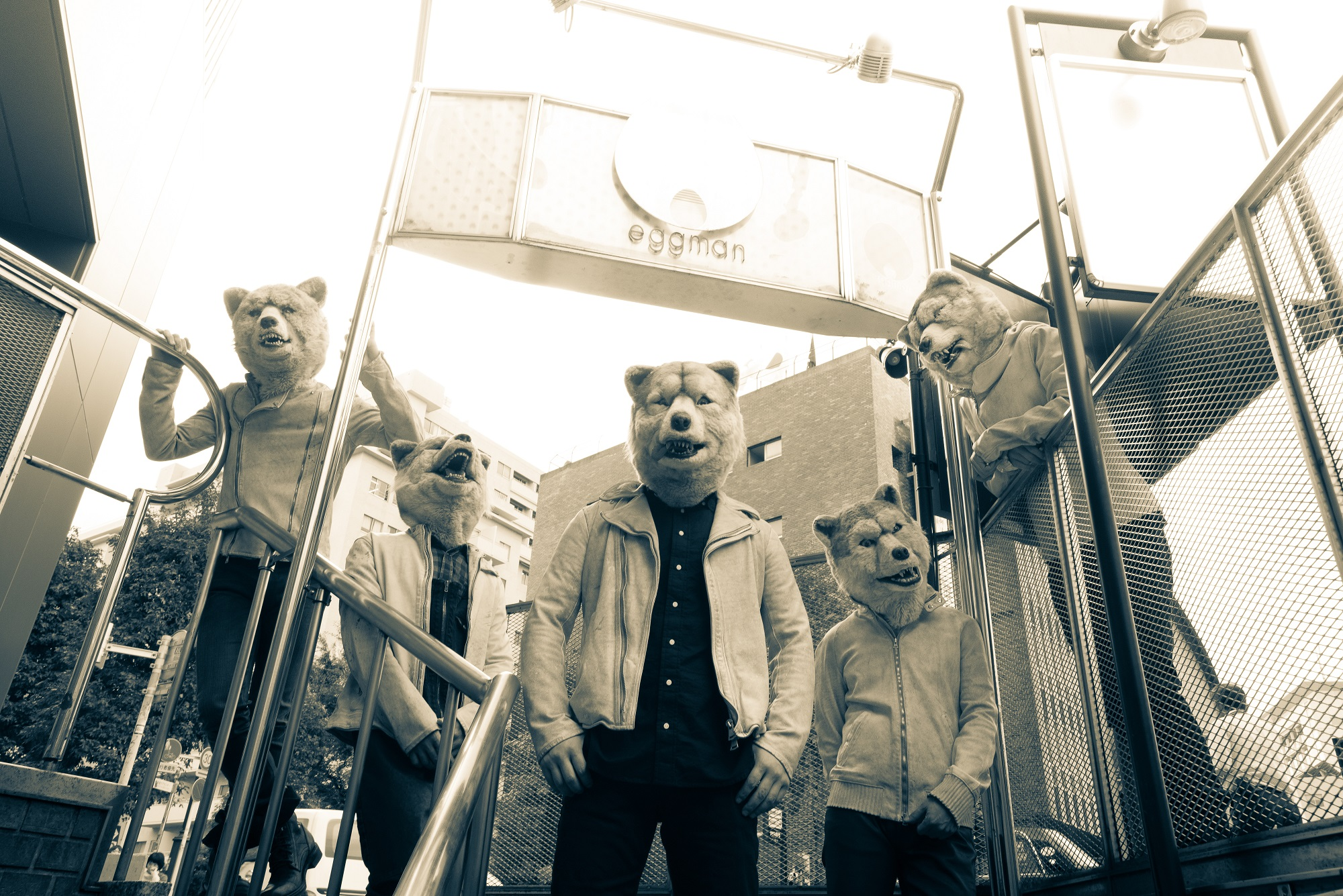 【海外反応】ベスト盤のリリースも決定!オオカミバンド・MAN WITH A MISSIONの海外での評価とは?サムネイル画像
