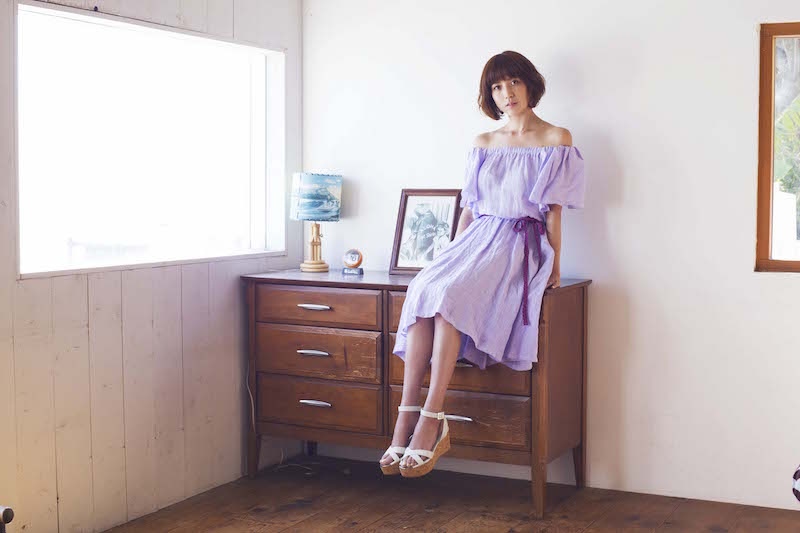 hitomi、第3子妊娠報告。「秋には新しい家族が一人増えます。」サムネイル画像