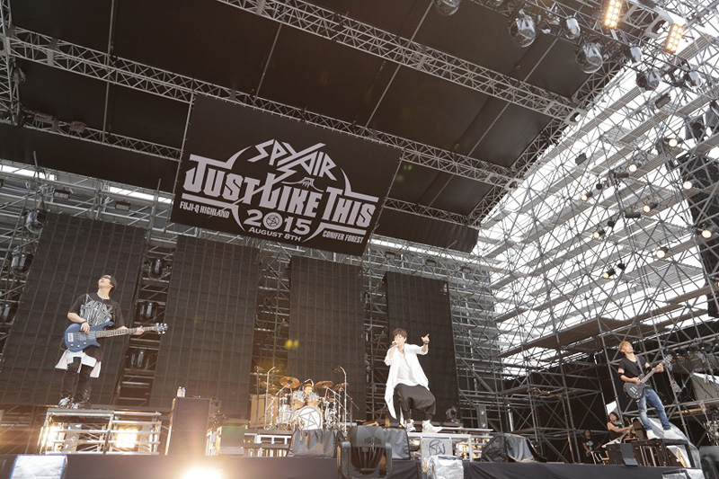 SPYAIR 単独1万人野外ライブ『JUST LIKE THIS 2015』大盛況のうち大団円!12月にはバンド初の2大アリーナツアーも発表サムネイル画像