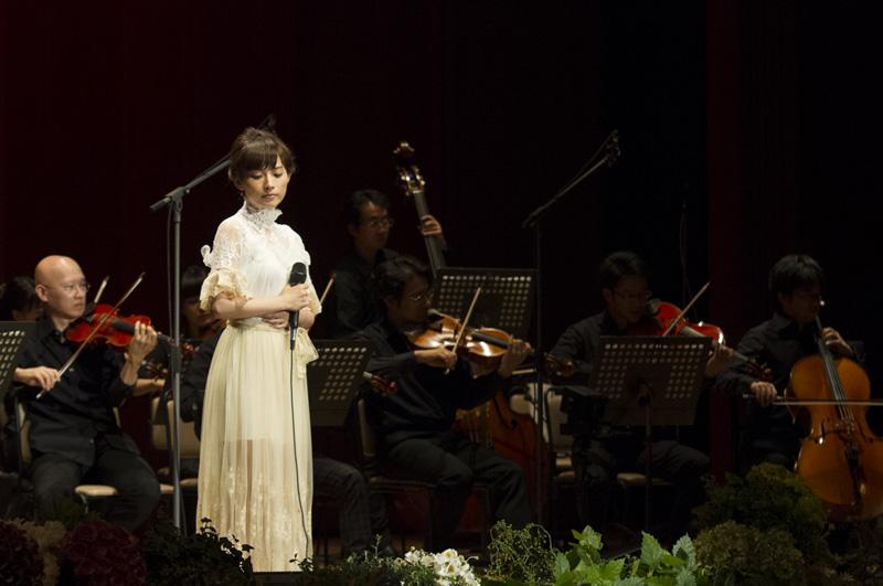 安倍なつみ クラシックコンサートホールの殿堂で新しい歌声を披露サムネイル画像