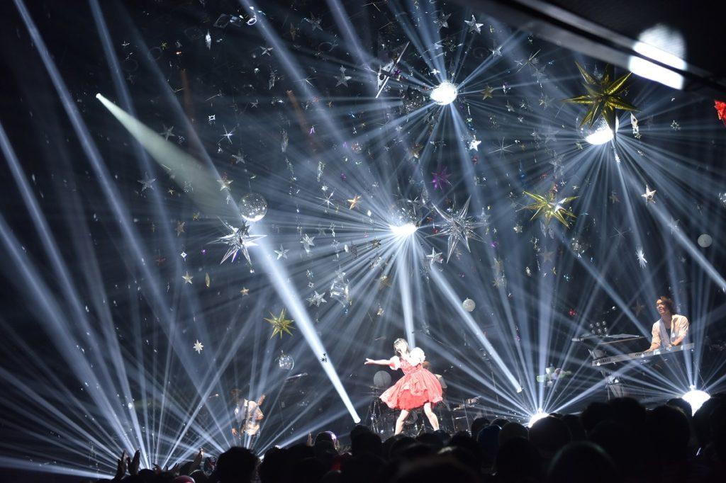 武藤彩未、活動休止へのラストライブはオーディエンスと創り上げた伝説のステージ!サムネイル画像