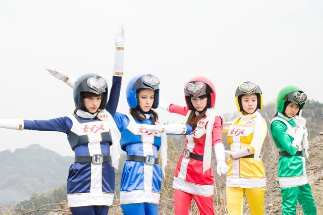桐谷美玲、有村架純、高畑充希が「勇者ヨシヒコ」監督作品で戦隊ヒーローに!?主題歌はE-girlsに決定サムネイル画像
