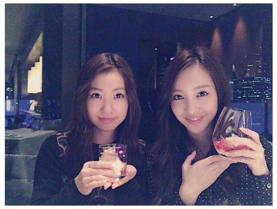 板野成美、姉・板野友美との姉妹2ショット写真公開サムネイル画像