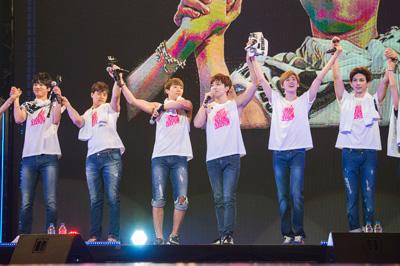 U-KISS 自身2度目の日本武道館LIVEで35公演ツアー大団円サムネイル画像