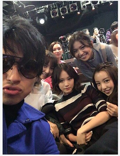 元AKB48・川崎希の「見てない隙に」夫アレクサンダーが前田敦子、大島優子、板野友美らと交流。豪華メンバーとの写真も公開