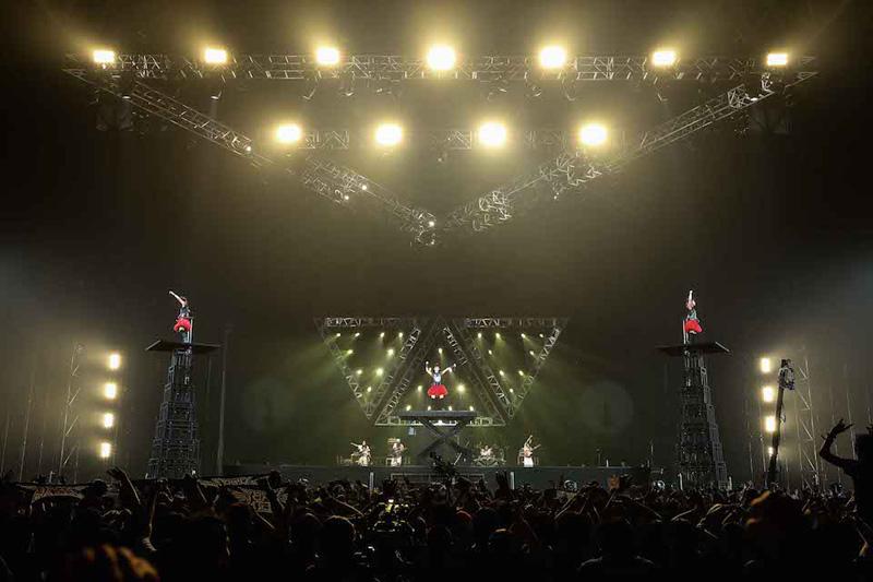BABYMETAL ワールドツアー日本公演・幕張メッセで大熱狂!初の全国ツアー&横アリ2デイズ開催決定サムネイル画像