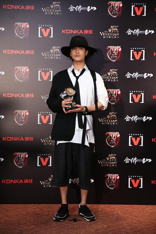 赤西仁、中国最高峰の音楽授賞式で「アジアで最も影響力のある日本人アーティスト賞」受賞。「光栄です」サムネイル画像