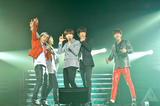 出来る限りファンの近くに!B1A4、日本ツアー横浜公演無事終了サムネイル画像