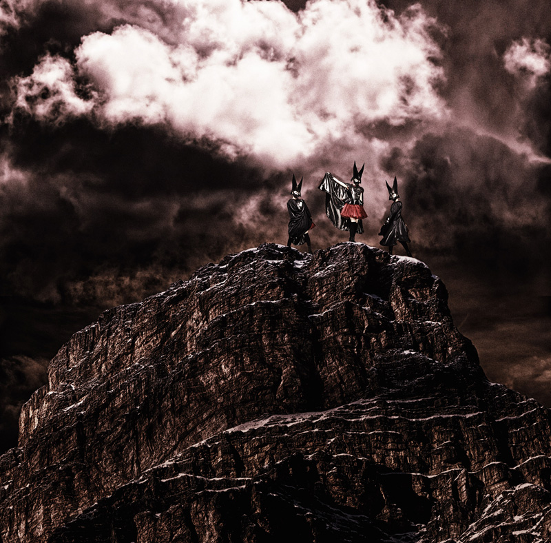 BABYMETAL、「Road of Resistance」のライブミュージックビデオ公開。そしてワールドツアーもスタートサムネイル画像