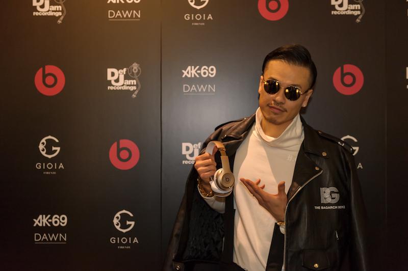 AK-69、Def Jam Recordings 第1弾アルバム『DAWN』のリスニング・パーティ開催で、UVERworld・TAKUYA∞、清木場俊介らとのコラボ制作エピソード明かすサムネイル画像