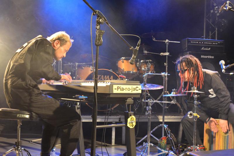 【→Pia-no-jaC←ツアーレポート】ヨーロッパツアーをスタートさせた→Pia-no-jaC←(ピアノジャック)、フランスで大絶賛サムネイル画像