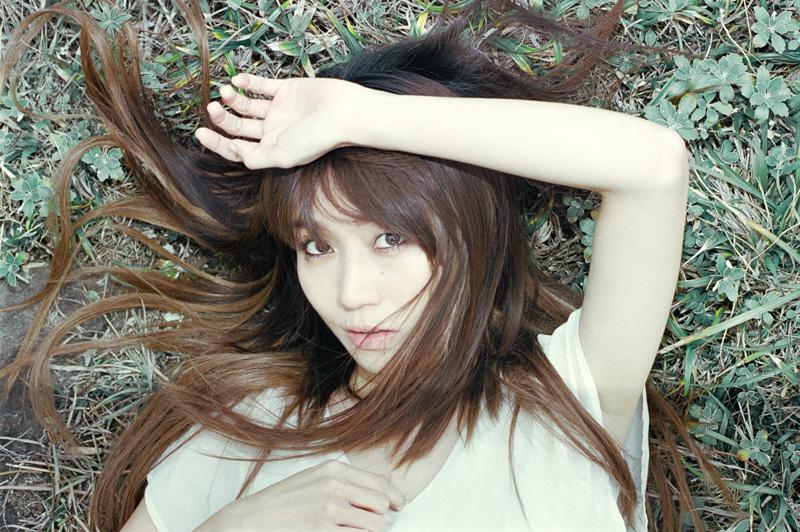 矢井田瞳、デビュー15周年記念、オリジナル・フルアルバム『TIME CLIP』本日ついに発売サムネイル画像