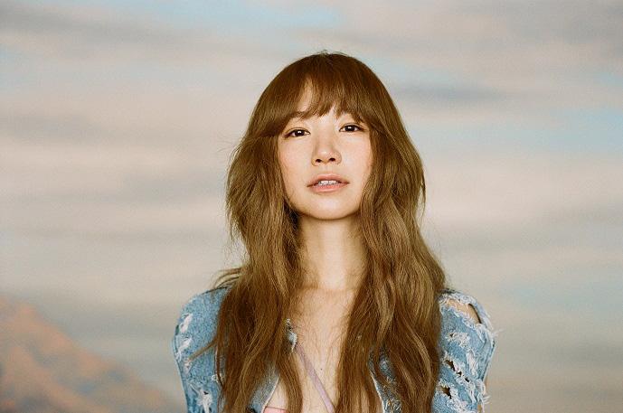 YUKI、ニューアルバム『FLY』発売記念・スペシャル抽選会に「ゆきんこ」が登場サムネイル画像