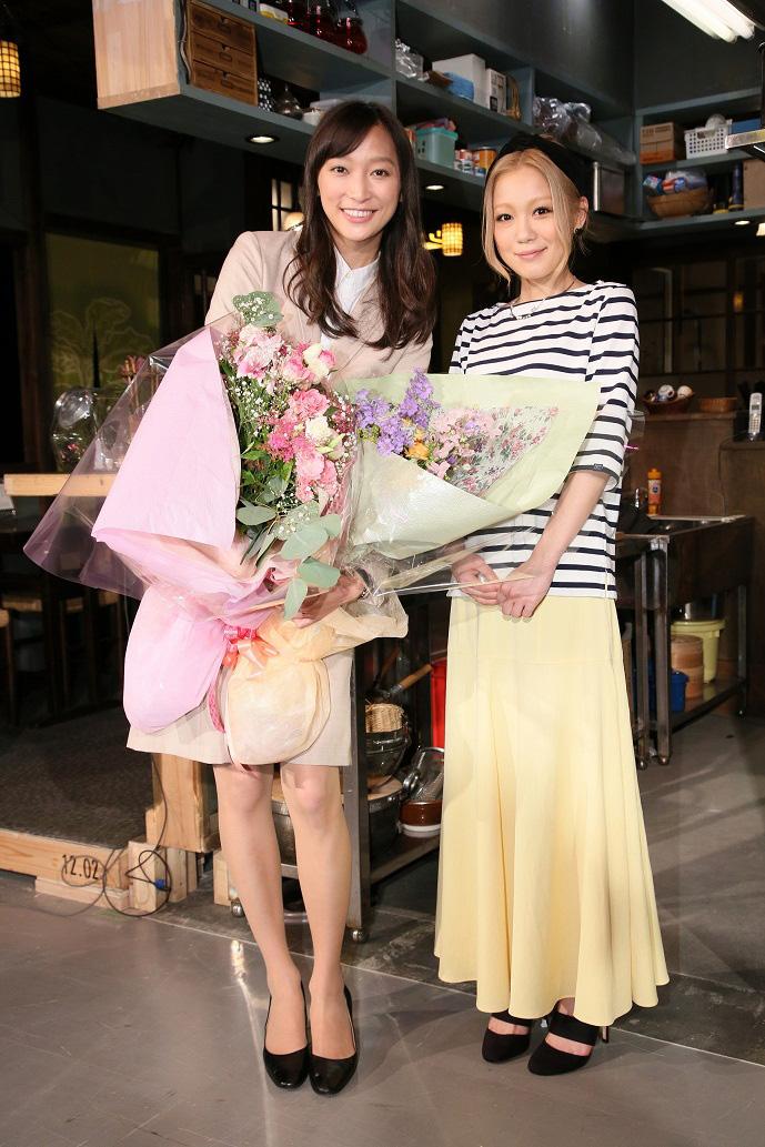 杏主演ドラマ「花咲舞が黙ってない」のクランクアップで西野カナがサプライズ登場サムネイル画像