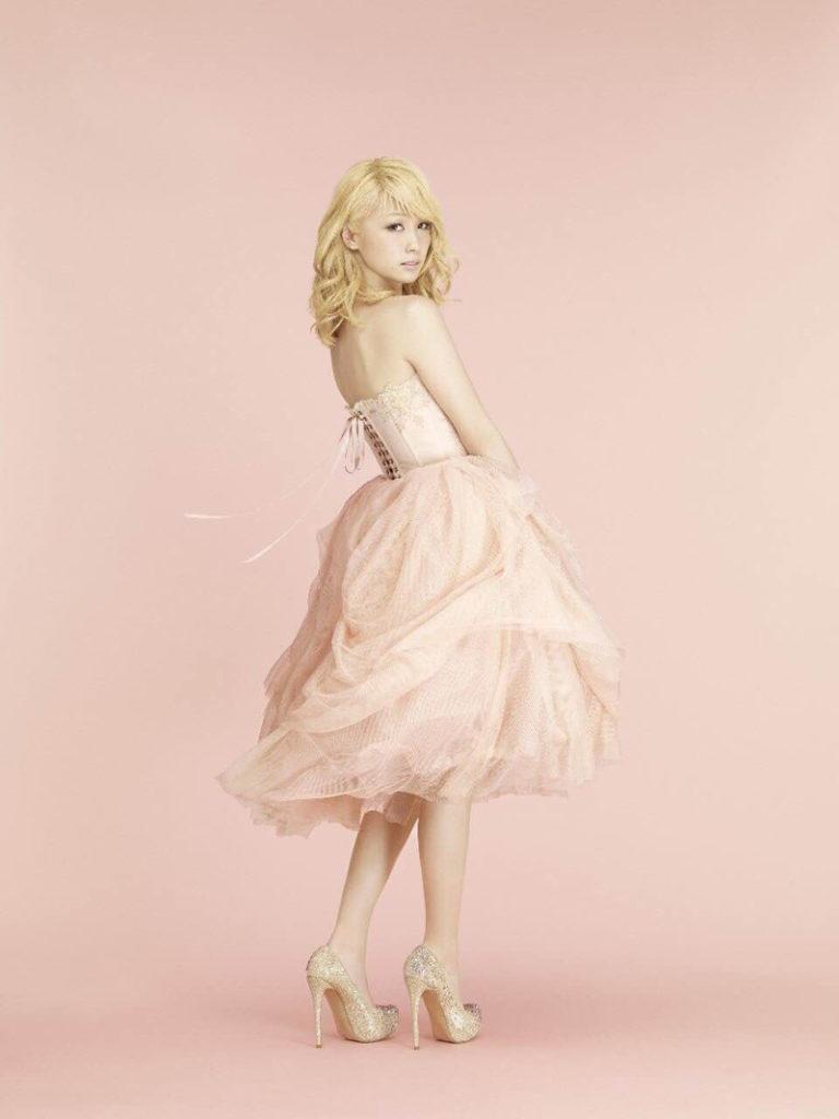 E-girlsからソロデビュー!Dream Amiがデビュー作でみせる新たな表情を公開サムネイル画像
