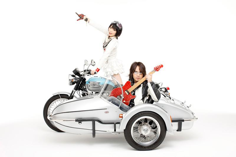 「侵略!イカ娘」主題歌を歌うアニソンユニット「ULTRA-PRISM」がセカンドワンマンライブ開催サムネイル画像