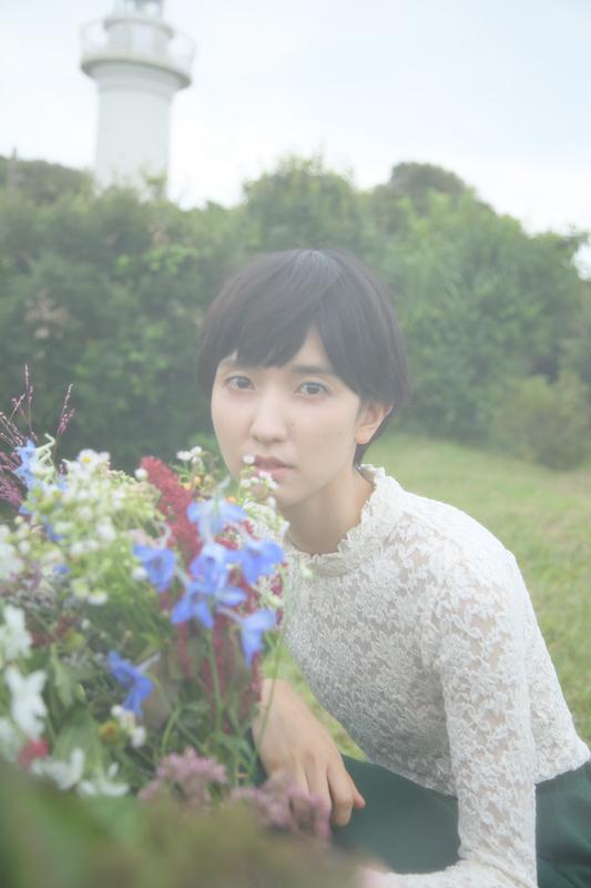 南壽あさ子の移籍第1弾シングルは、累計200万本を超える大人気RPG「アトリエ」シリーズ最新作のオープニングテーマサムネイル画像