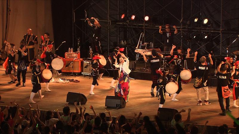 ドリカム、沖縄にて「ドリカムの夕べ」開催!地元・沖縄の「エイサー」と初コラボレーション・ライヴ披露サムネイル画像