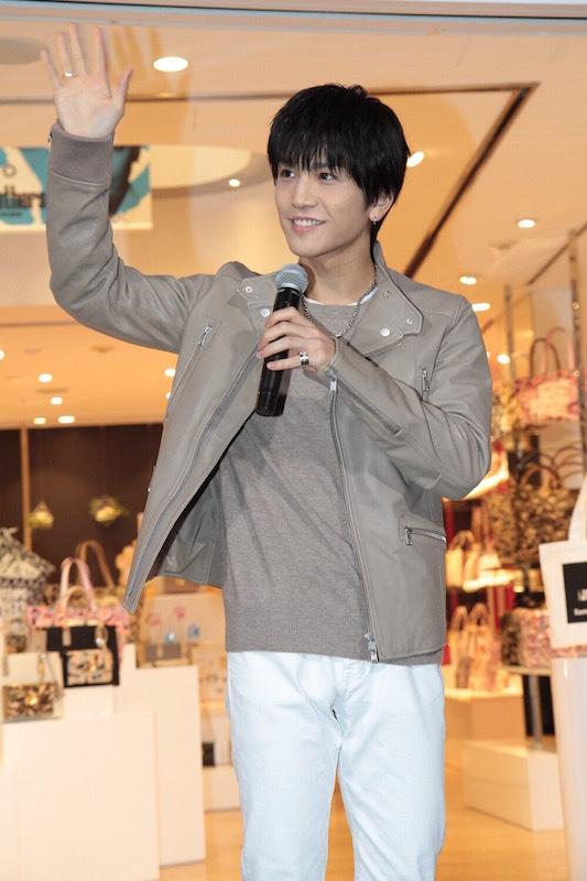 三代目JSB・岩田剛典のサプライズ登場に一時騒然。「本当に幸せ」サムネイル画像
