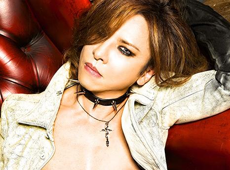 """X JAPANのYOSHIKIが""""伝説""""の真相を告白。「ライヴ中にドラムを燃やす!?」「突然石川県から東京までタクシーで帰る」は本当か?サムネイル画像"""