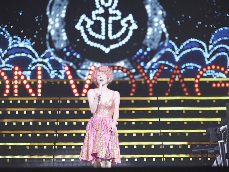 椎名林檎最新ライブ映像作品『(生)林檎博'14 ―年女の逆襲―』本日発売サムネイル画像