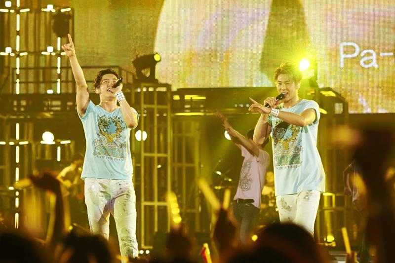 東方神起 東京ドーム公演で6月11日リリースシングル「Sweat」披露!!4日間約22万人を魅了サムネイル画像