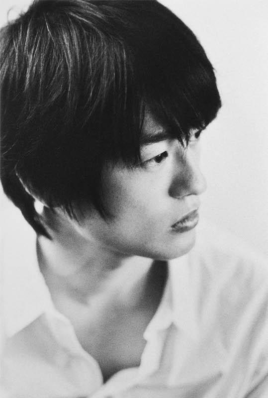 尾崎豊の息子・尾崎裕哉、「お父さんがいなく…」母親からの謝罪に対する思いを込めた曲がサプライズリリースサムネイル画像