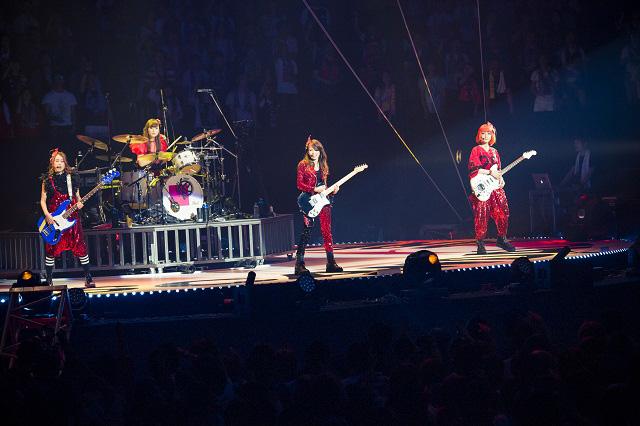 SCANDAL帰ってきた2度目の大阪城ホールで「大阪LOVER」&新曲「夜明けの流星群」を初披露サムネイル画像