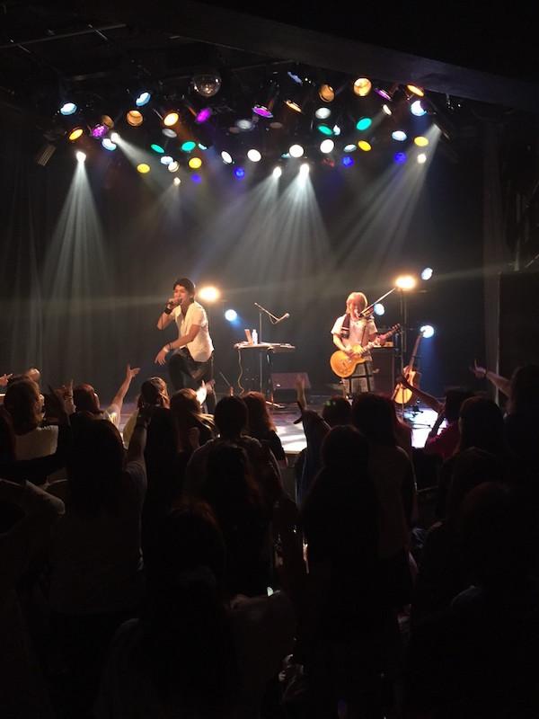 "COLLAGEN BOY'zが新たな音楽の可能性を求め王子様キャラを返上新たなユニット""Crossover&Co.""として等身大の音楽活動のスタートを発表サムネイル画像"
