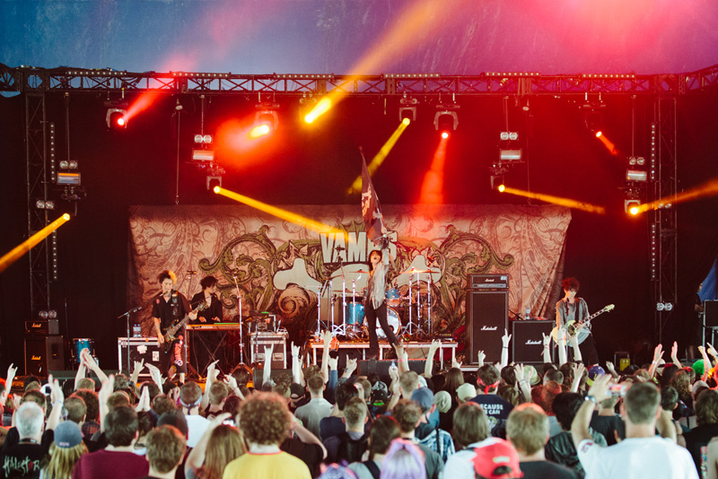 VAMPS ロンドン最大のロック・イベント「DOWNLOAD FESTIVAL」でパフォーマンス、5,000人をノック・アウトサムネイル画像