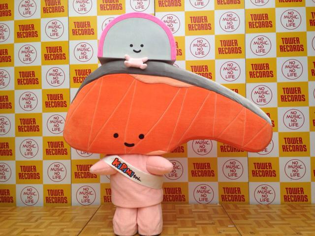 大人気!サンリオのしゃけの切り身のキャラクター「KIRIMIちゃん.」、タワレコ渋谷で身を揺らすサムネイル画像