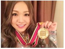 西野カナ、「有線音楽優秀賞」受賞で喜び爆発!メダルも公開サムネイル画像
