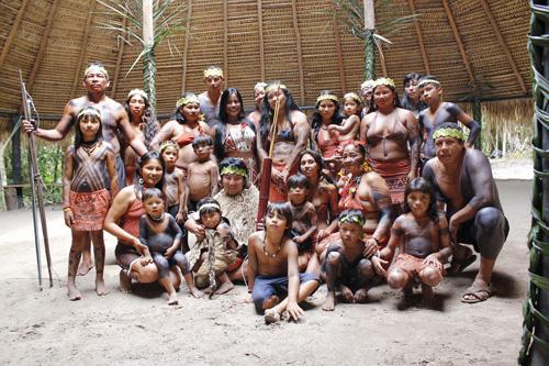 """遊助、""""地球の裏側""""南米アマゾンの先住民歌手とコラボ、MVも公開サムネイル画像"""
