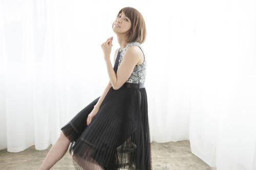 hitomiのライフスタイルを身近に!無料WEBファンクラブ「no!cut」オープンサムネイル画像