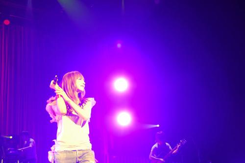 aiko、4種の異なるツアーを同時開催した「aiko 15th Anniversary Tour」全33公演が終了サムネイル画像