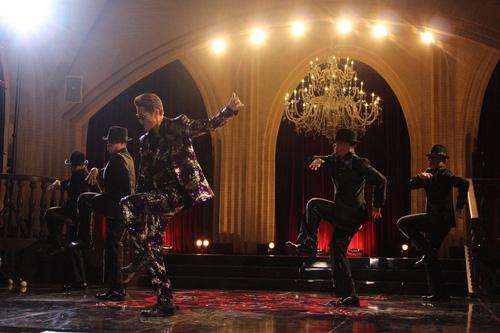 EXILE ATSUSHIがMVで初のダンスを披露サムネイル画像