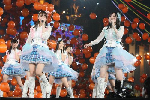 SKE48が'逆回転'!?新曲「未来とは?」のミュージックビデオを公開サムネイル画像
