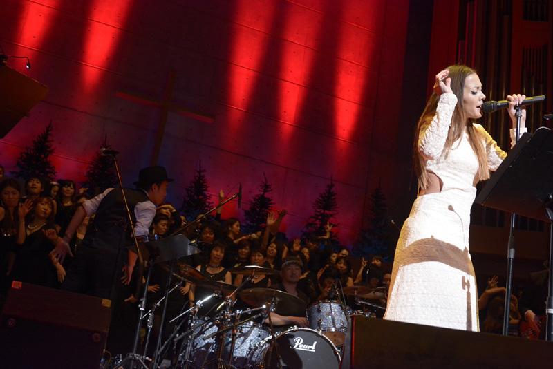 ビートルズ「Let It Be」を歌う土屋アンナのアレンジと歌唱力が半端ないサムネイル画像