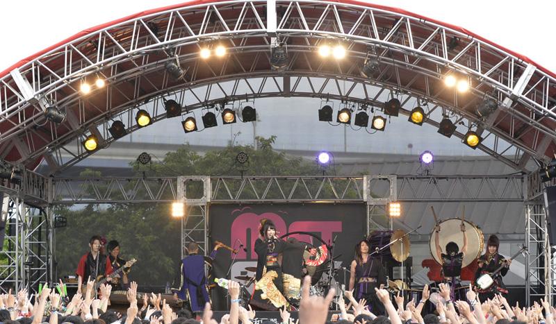 和楽器バンド、野外フェス「METROCK」に初出演!!初披露された新曲「華振舞」を本日、配信限定リリースサムネイル画像