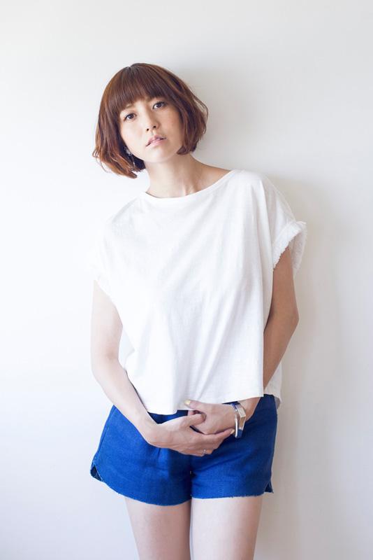 hitomi、40歳の誕生日で夫からのプレゼントを公開サムネイル画像