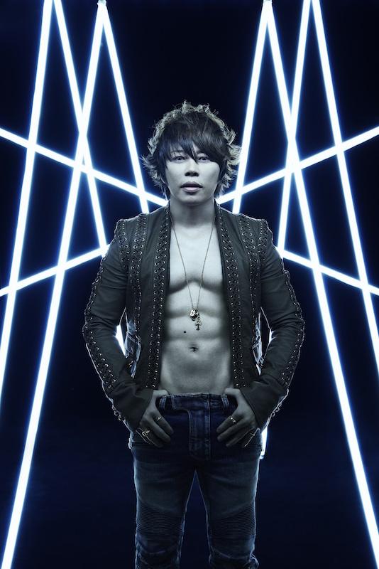 """GACKTとTMR西川貴教、お互いのライブに贈りあった驚きの""""あるモノ""""が「面白すぎ」「萌える」と話題。サムネイル画像"""